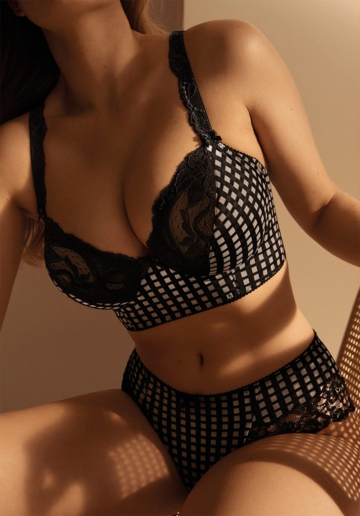 Close up image of Back image of Prima Donna Madison underwired deep plunge balconnet bra In Crystal Black