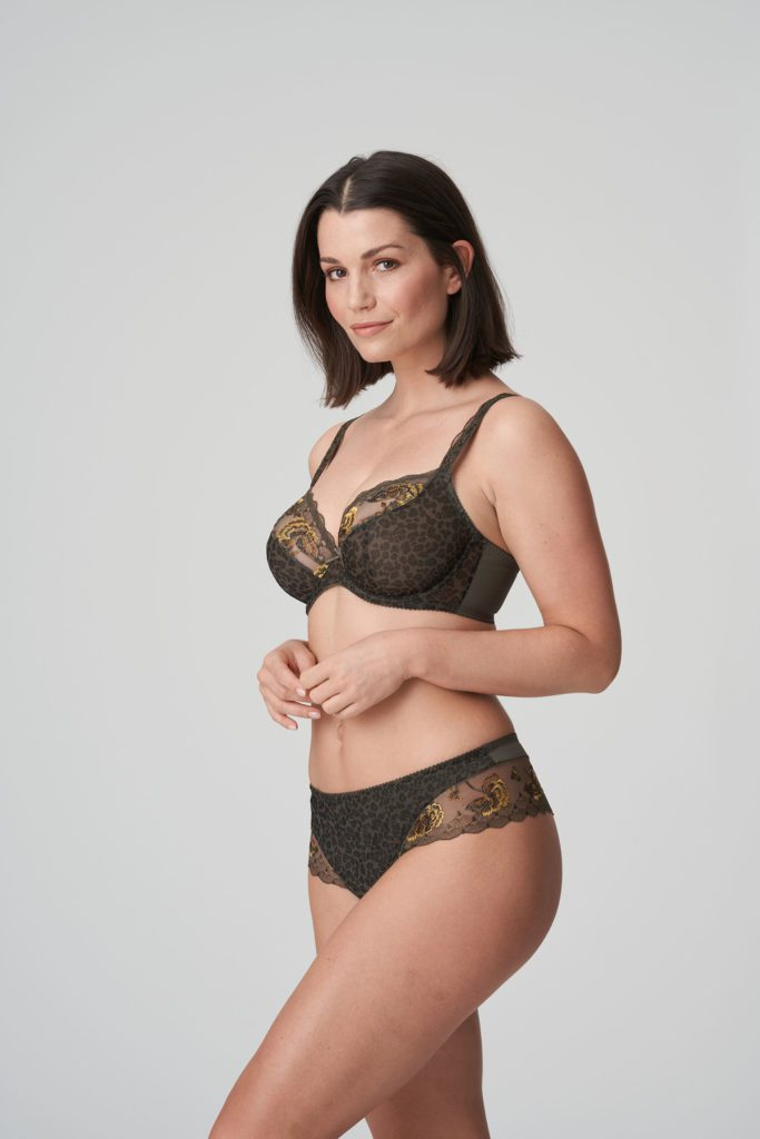 Woman wearing Prima Donna Palace Garden Luxury G-String In khaki Reptile with matching bra